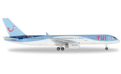 TUI Airways 途易航空 Boeing 757-200 G-BYAW