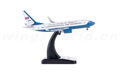 USAF 美国空军 Boeing 737-700 C-40C 05-0932