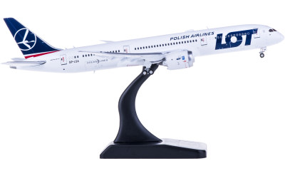 LOT 波兰航空 Boeing 787-9 SP-LSA 襟翼打开