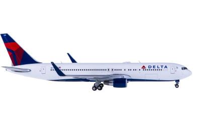 Delta Air Lines 达美航空 Boeing 767-300ER N173DZ