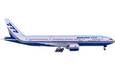 Boeing 777-200 N7771