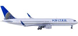 United Airlines 美国联合航空 Boeing 767-300ER N676UA