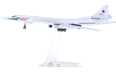Herpa 1:200 Russian Air Force 俄罗斯空军 Tupolev TU-160 RF-94109/12
