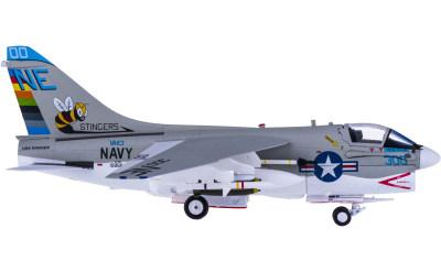 U.S. Navy 美国海军 LTV A-7E Corsair II VA-113 NF300