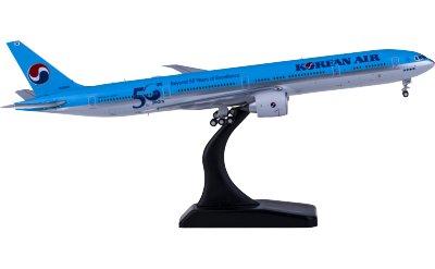 Korean Air 大韩航空 Boeing 777-300ER HL8008