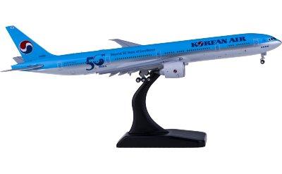 Korean Air 大韩航空 Boeing 777-300ER HL8008 襟翼打开