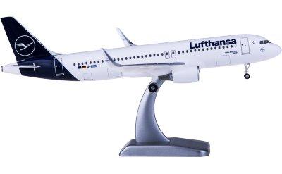 Lufthansa 汉莎航空 Airbus A320 D-AIZW