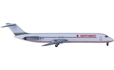 Republic Airways McDonnell Douglas DC-9-51 N777NC