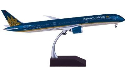 Vietnam Airlines 越南航空 Boeing 787-10 VN-A879