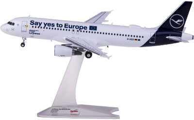 Lufthansa 汉莎航空 Airbus A320 D-AIZG Say yes to Europe
