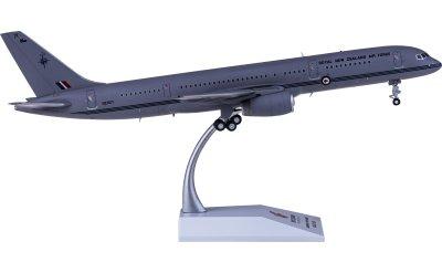Royal New Zealand Air Force 新西兰皇家空军 Boeing 757-200 NZ7571