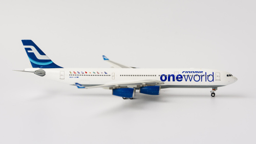 Finnair 芬兰航空 Airbus A340-300 OH-LQE 2000s color. OneWorld c/s. With rolling gears. PH10530 Phoenix 1:400