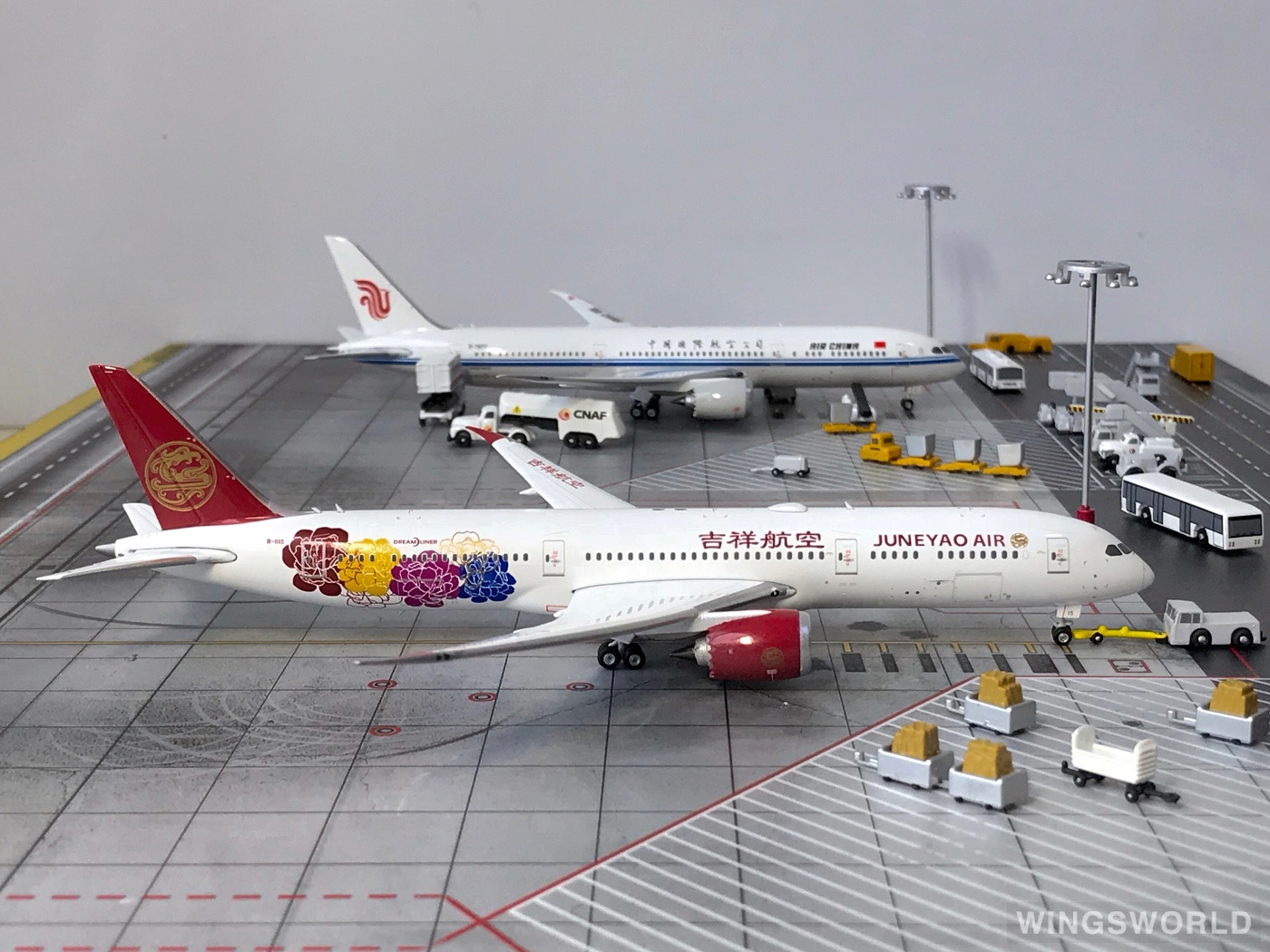 Phoenix 1:400 PH11497 Juneyao Airlines 吉祥航空 Boeing 787-9 B-1115