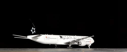 Air China 中国国际航空 Boeing 777-300ER B-2032 星空联盟 PH10665 Phoenix 1:400