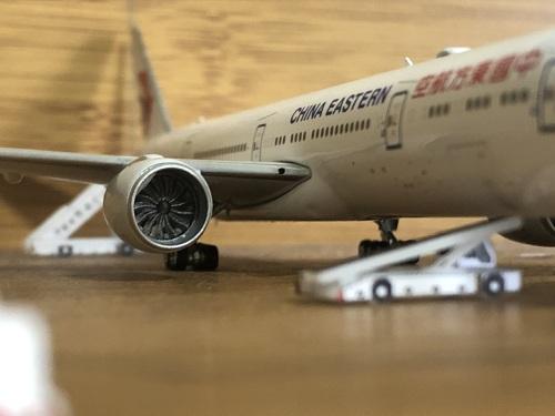 China Eastern 中国东方航空 Boeing 777-300ER B-7882  PH11585 Phoenix 1:400