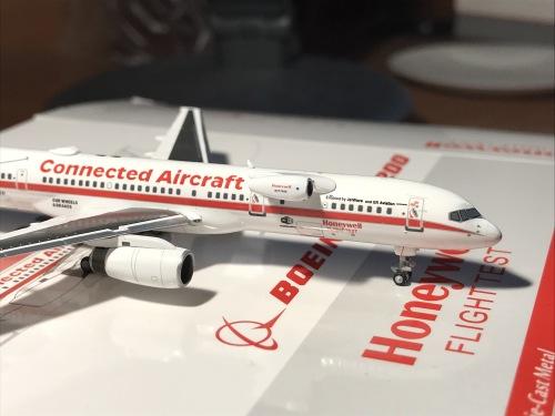 Honeywell 霍尼韦尔 Boeing 757-200 N757HW  NG53020 Ngmodel 1:400