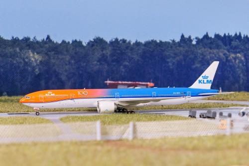 KLM 荷兰皇家航空 Boeing 777-300ER PH-BVA 100周年橙色骄傲 PH11563 Phoenix 1:400