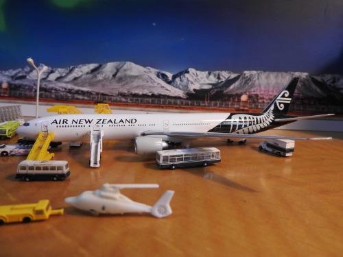 Air New Zealand 新西兰航空 Boeing 777-300ER ZK-OKR  A13157 Apollo 1:400