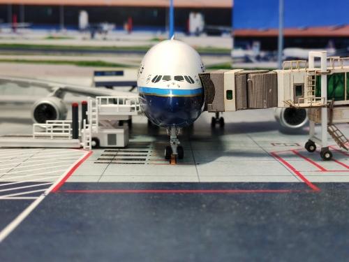 China Southern 中国南方航空 Airbus A380-800 B-6137  XX2982 JC Wings 1:200