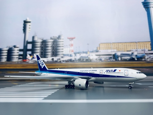 ANA 全日空 Boeing 777-200 JA704A 2003s colors. With