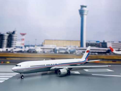 PLAAF 中国空军 Boeing 767-300 B-4025  LH4127 JC Wings 1:400