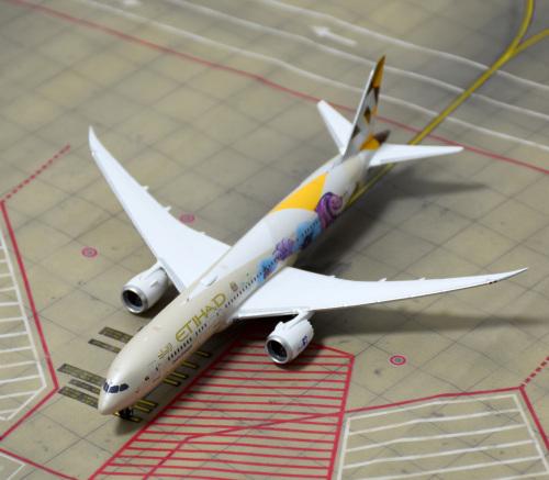 Etihad Airways 阿提哈德航空 Boeing 787-9 A6-BLR 新加坡彩绘 PH04314 Phoenix 1:400