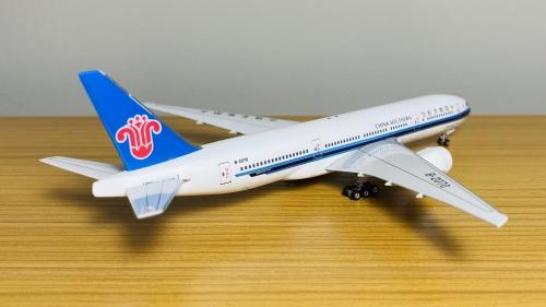 China Southern 中国南方航空 Boeing 777-200 B-2070 中国南方航空777-200ER 越太平洋延程飞行 PH10565 Phoenix 1:400