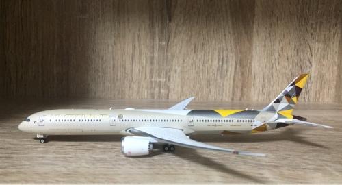 Etihad Airways 阿提哈德航空 Boeing 787-10 A6-BMA  PH04228 Phoenix 1:400