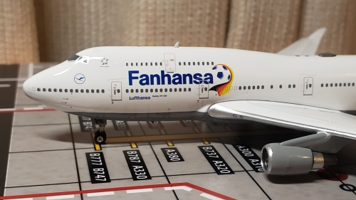 Lufthansa 汉莎航空 Boeing 747-400 D-ABVK 1990s colors.
