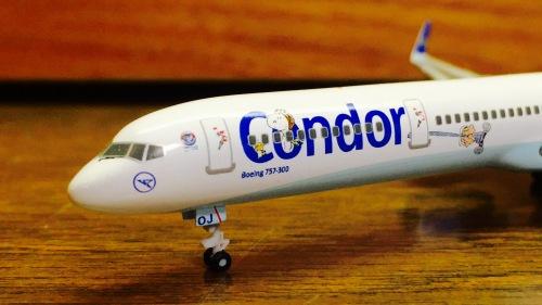 Condor 神鹰航空 Boeing 757-300 D-ABOJ Peanuts colors. 562270 Herpa 1:400
