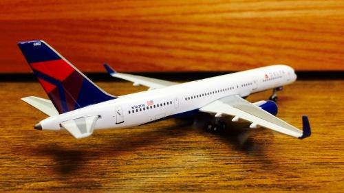 Delta Air Lines 达美航空 Boeing 757-200 N703TW 2007s colors. GJDAL884 Geminijets 1:400