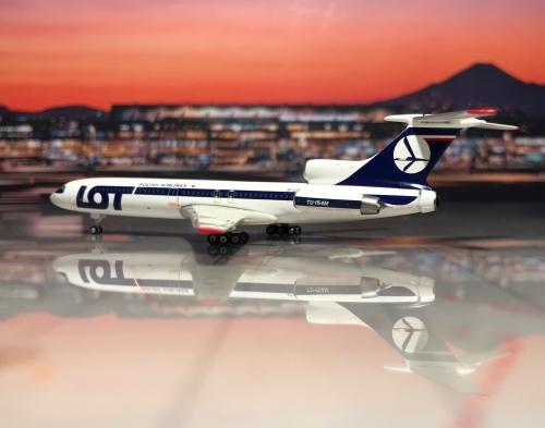 LOT 波兰航空 Tupolev Tu-154 SP-LCM  PH11041 Phoenix 1:400