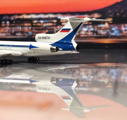 Aeroflot 俄罗斯航空 Tupolev Tu-154 RA-85670  PH10639 Phoenix 1:400