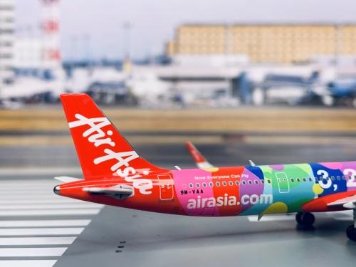 AirAsia 亚洲航空 Airbus A321neo 9M-VAA  PH11600 Phoenix 1:400