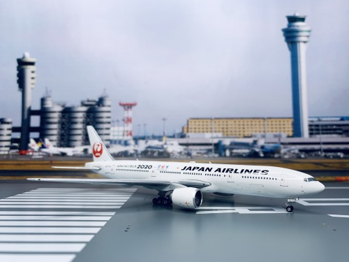 Japan Airlines 日本航空 Boeing 777-200 JA773J 2011s colors. With