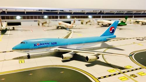 Korean Air 大韩航空 Boeing 747-400 HL7492  A13116 Apollo 1:400