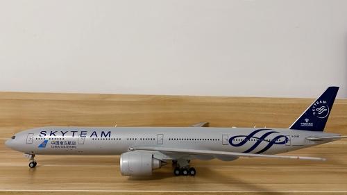 "China Southern 中国南方航空 Boeing 777-300 B-2049 ""天合联盟"" XX2743 JC Wings 1:200"