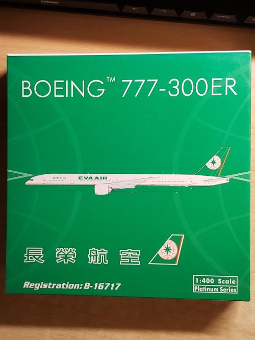 EVA Air 长荣航空 Boeing 777-300ER B-16717  PH10678 Phoenix 1:400