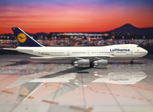 Lufthansa 汉莎航空 Boeing 747-200 D-ABYM 1990s colors. Named