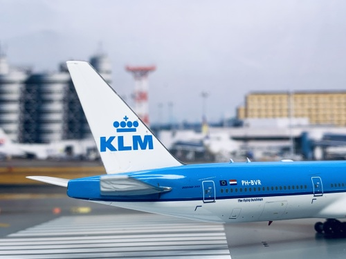 KLM 荷兰皇家航空 Boeing 777-300 PH-BVR  PH11568 Phoenix 1:400