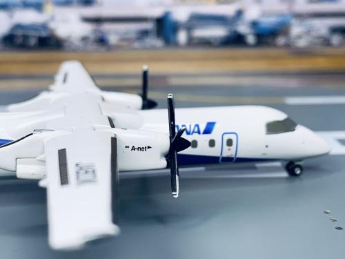 ANA 全日空 Bombardier Dash 8-300 JA801K  DH28011 Hogan 1:200