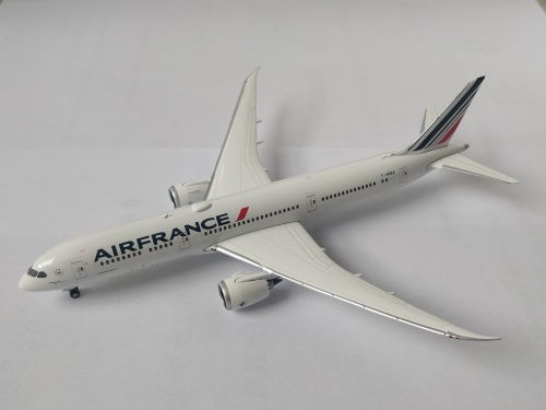Air France 法国航空 Boeing 787-9 F-HRBA 2009s colors. With rolling gears. PH11333 Phoenix 1:400