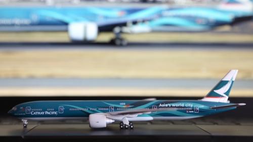 Cathay Pacific 国泰航空 Boeing 777-300ER B-KPF 亚洲国际都市 MKAC777EA4 Hogan 1:400