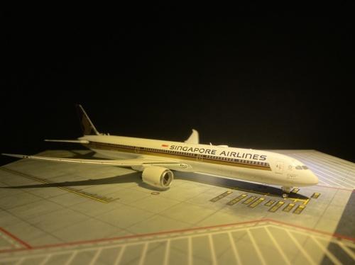Singapore Airlines 新加坡航空 Boeing 787-10 9V-SCP  PH04331 Phoenix 1:400