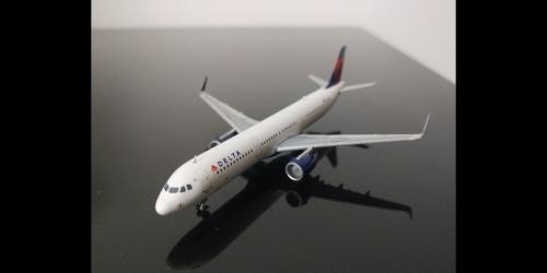 Delta Air Lines 达美航空 Airbus A321 N301DN  GJDAL1411 Geminijets 1:400
