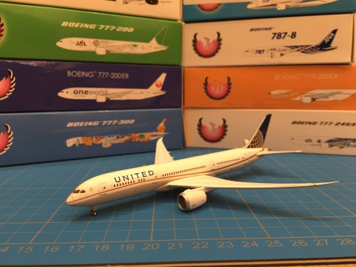 United Airlines 美国联合航空 Boeing 787-9 N38950