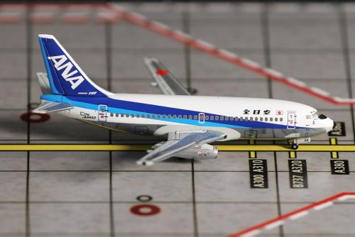 ANA 全日空 Boeing 737-200 JA8453  NH40037 Hogan 1:400