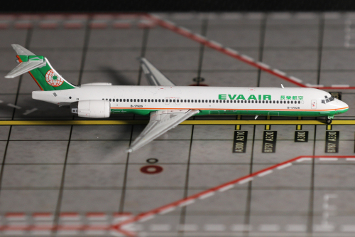EVA Air 长荣航空 McDonnell Douglas MD-90 B-17926  XX4639 JC Wings 1:400