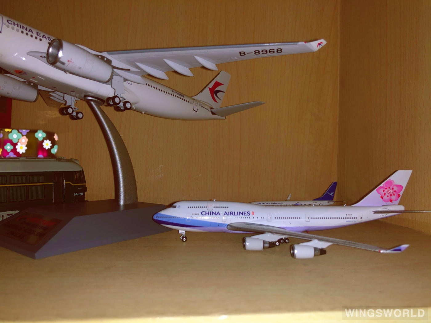 Phoenix 1:400 PH04334 China Airlines 中华航空 Boeing 747-400 B-18215