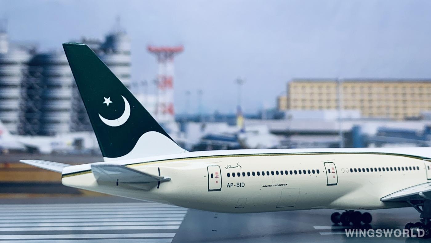 Phoenix 1:400 PH10416 PIA 巴基斯坦航空 Boeing 777-300 AP-BID